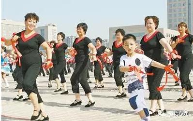 何波:孩子隔代抚养带来的问题亟待重视